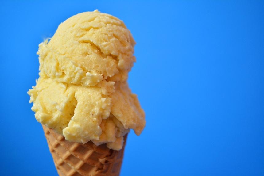 Crème glacée festive Pina colada cover