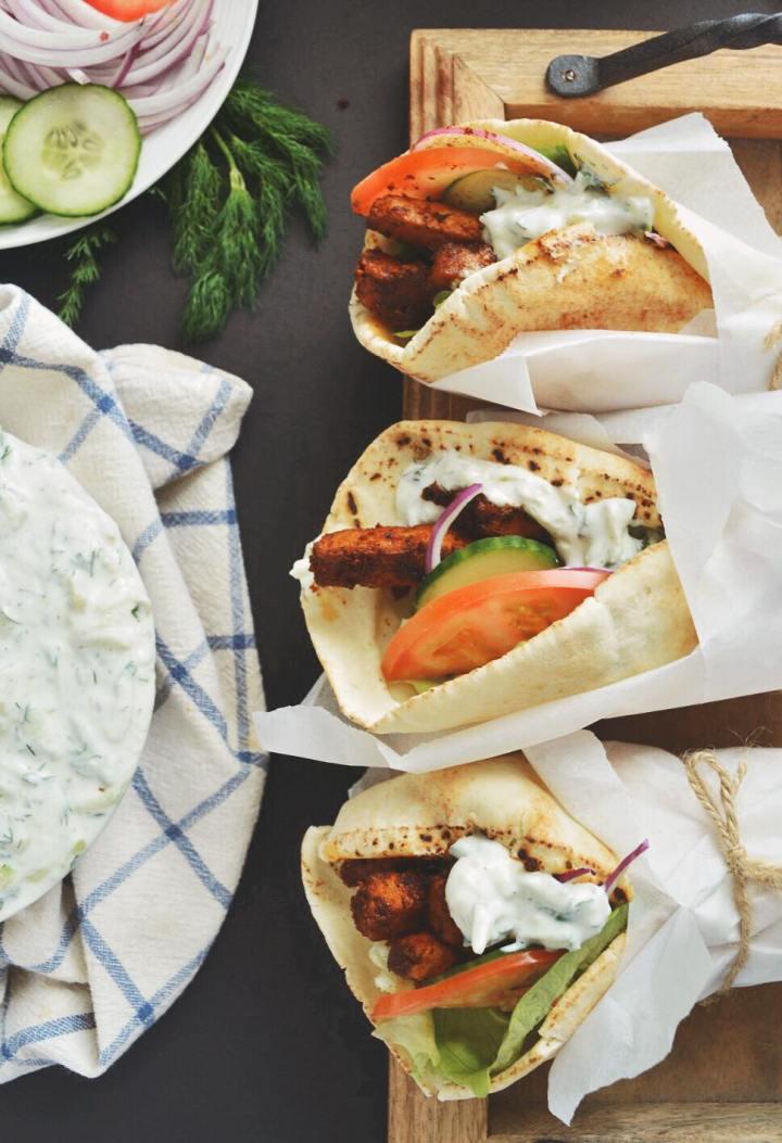 Gyros végétariens et sauce Tatzikimaison